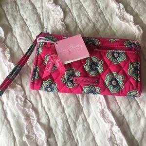 NWT Vera Bradley pink flower front zip wristlet